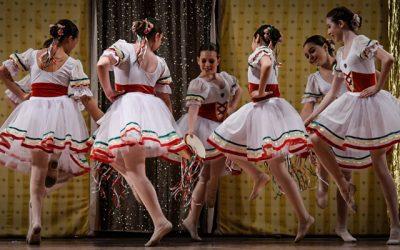 La Escuela de Inma Muñoz festeja en el Botánico el Día de la Danza
