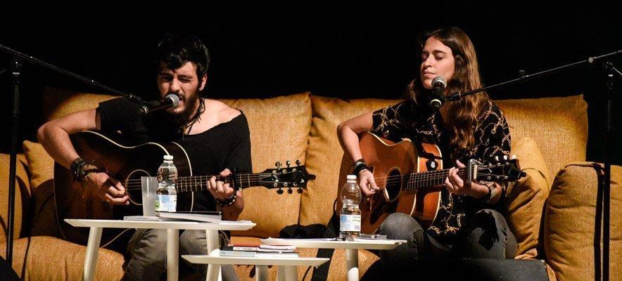 Poetas del Acústico concluye hoy en el Teatro Serrano