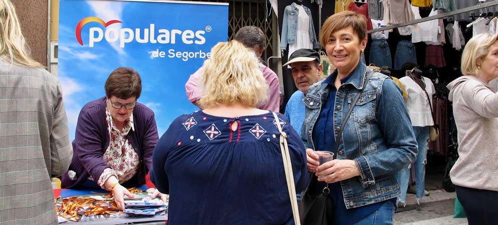 PP Segorbe explica sus propuestas a los compradores del «Jueves»