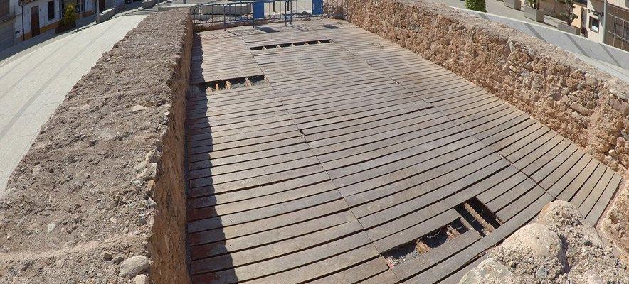 Segorbe repara la deteriorada tarima de la ermita de Santa Barbara