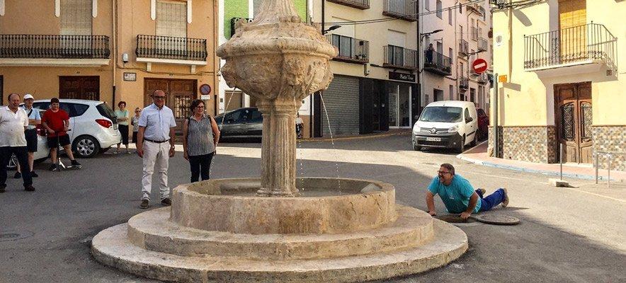 La fuente de la Asunción de Viver recupera su esplendor
