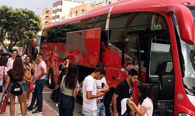 Un centenar de jóvenes segorbinos subieron a la vaquilla de Teruel
