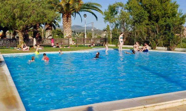 Una pelea en la piscina de Cárrica se salda con dos heridos