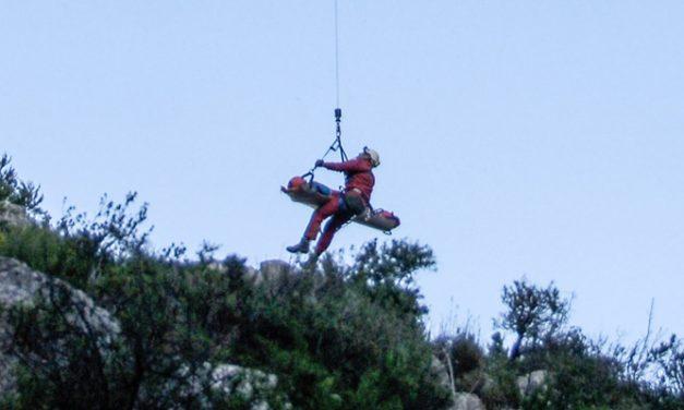 Rescatan en Jérica a un escalador caído de una altura de 15 metros