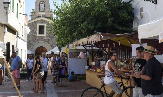 Benafer celebra la X Feria de la Almendra