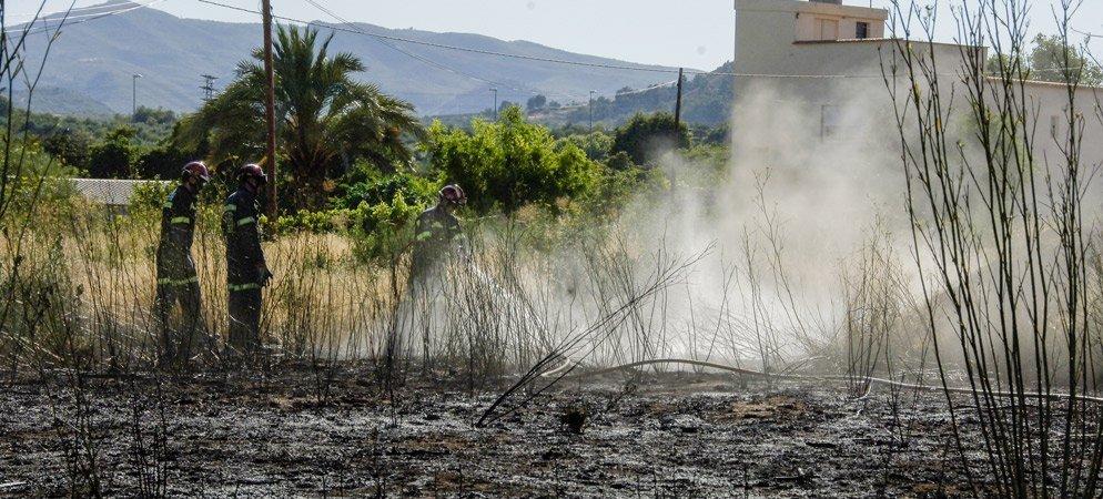Los Bomberos extinguen un incendio en  Segorbe