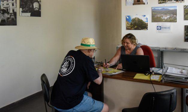 Navajas recibe ayuda para amueblar el Centro de Interpretación