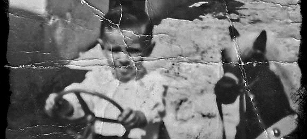 """La historia de un coche de pedales"" por Toni Berbís"