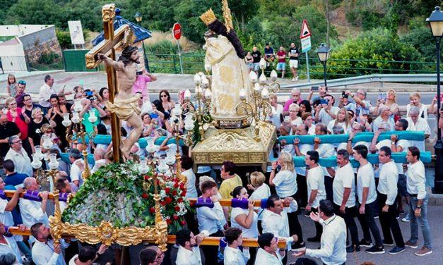 «La Peregrina» es recibida con aplausos y vítores en Gaibiel