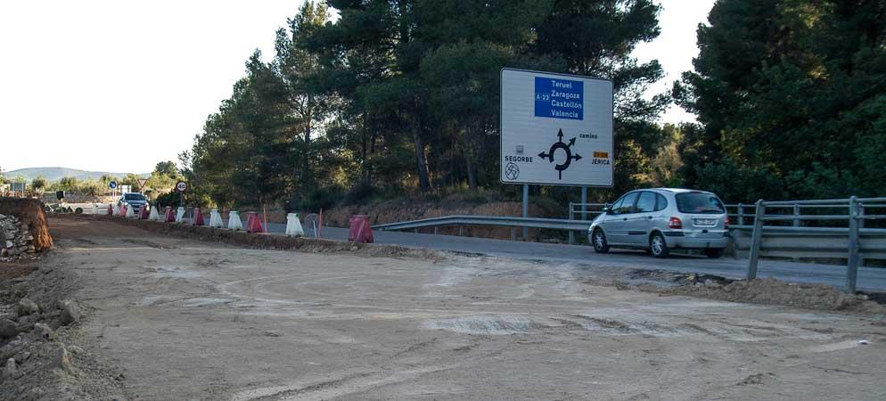 La empresa Becsa retoma la adecuación de la carretera de Navajas