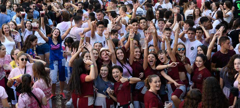 Más de 700 jóvenes se dan cita en el Chupinazo