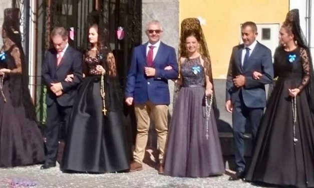 Castellnovo  se vuelca en la «Fiesta de las Clavarias»