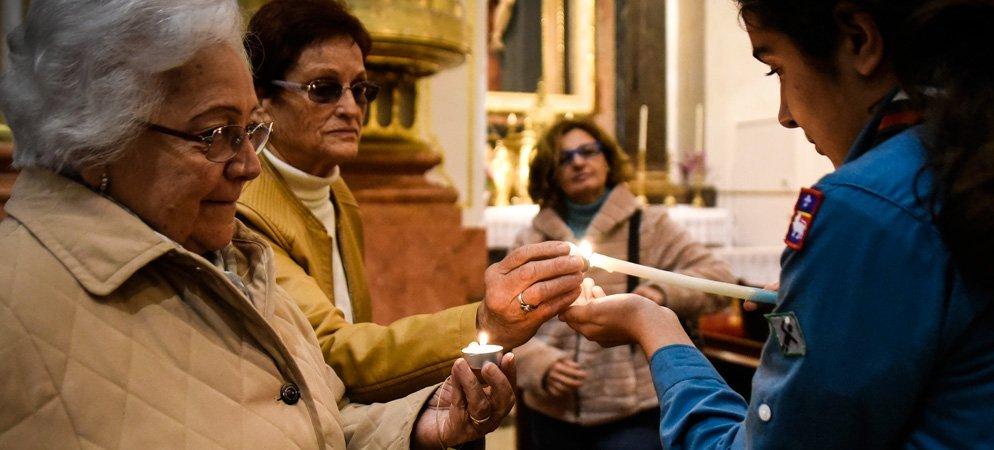 La luz de Belén llega a la Catedral de Segorbe desde Austria