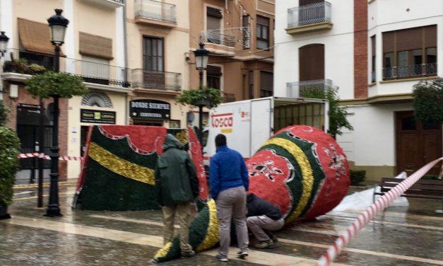 La plaza del Agua Limpia estrena Árbol de Navidad y un punto de información
