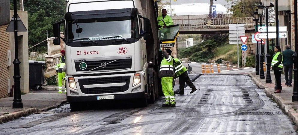 Cortan la circulación de vehículos de la calle Valencia debido a obras