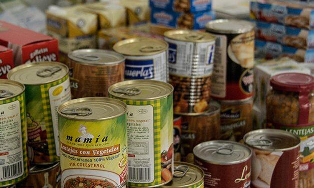 Escolares de Segorbe recogen juguetes y alimentos para los necesitados