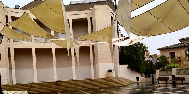 PP de Castellnovo responsabiliza al gobierno de la rotura de lonas
