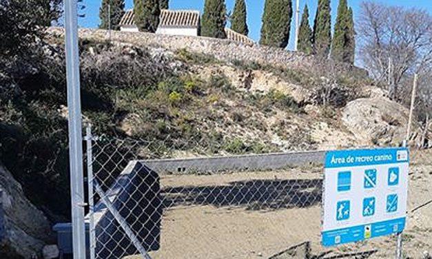 Soneja crea un parque canino junto a la ermita