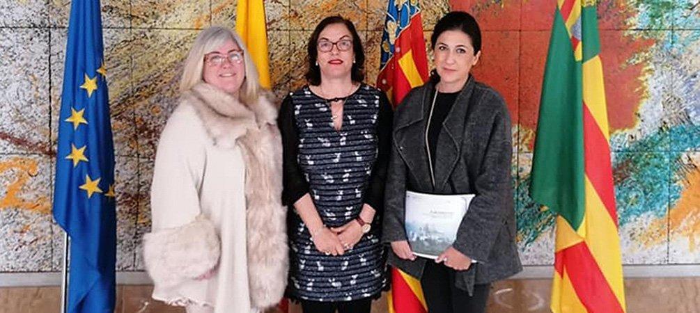La alcaldesa de Castellnovo busca ayuda para consolidar el castillo
