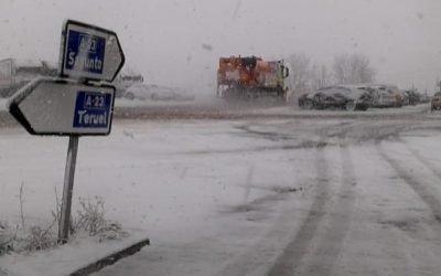 El temporal obliga a cerrar centros y cortar carreteras