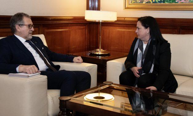 La alcaldesa de Matet plantea a Diputación los problemas locales