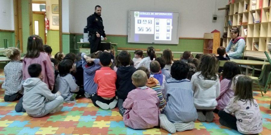 La Policia Local de Segorbe lleva a los colegios la educación vial