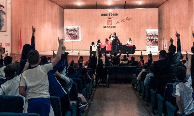 Estudiantes segorbinos asisten a la charla «El deporte no es sólo cosa de chicos»