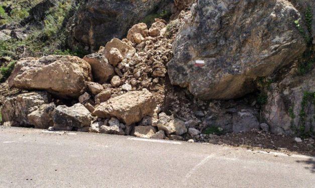 Bejís repara la carretera de Los Cloticos y el camino Masía de los ríos