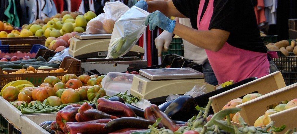 Soneja vuelve a celebrar y cambia la ubicación del mercado ambulante