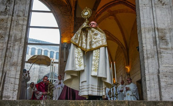 En Toro el día del Corpus si hubo procesión claustral del Santísimo