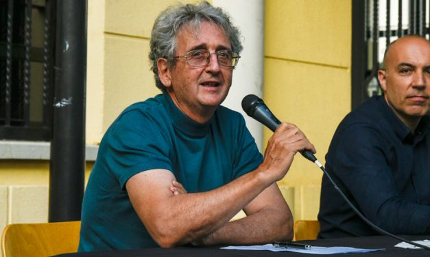 Manuel Vicente Martínez presentó su novela entre enmascarados