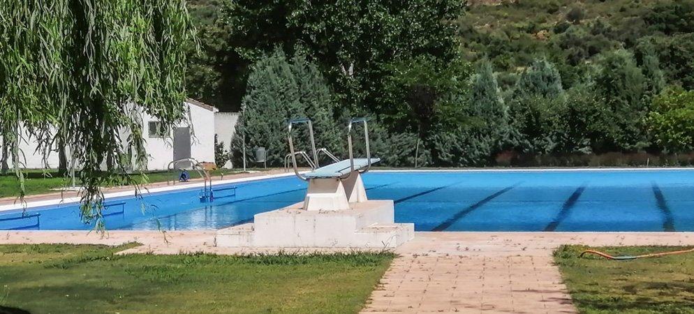 Los gerentes del bar de la piscina de Chóvar desmienten las acusaciones del PSOE