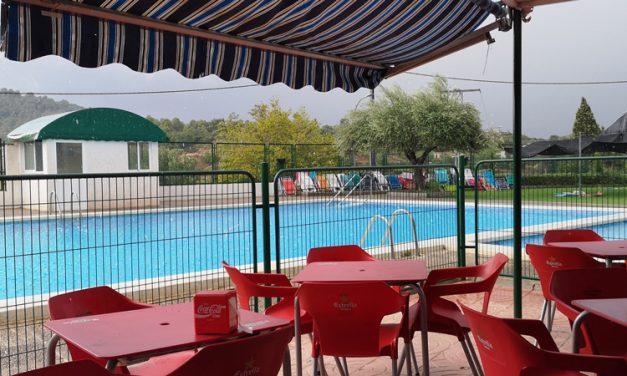 Sot de Ferrer establece tres turnos de entrada a la piscina