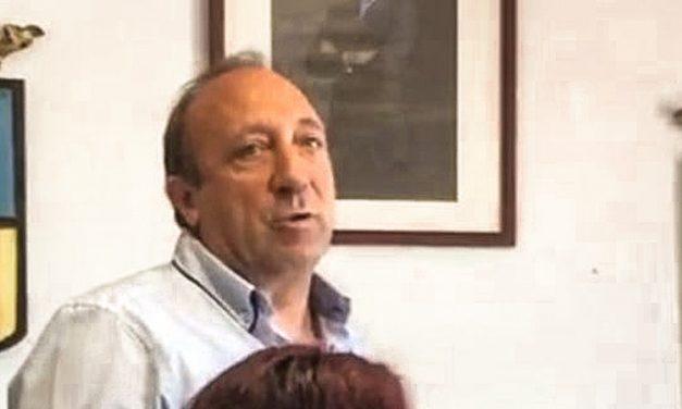 El PSOE de Chóvar acusa al alcalde adjudicar irregularmente el bar de la piscina