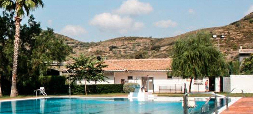 El PSOE de Chóvar estudia denunciar al alcalde por la adjudicación del bar de la piscina