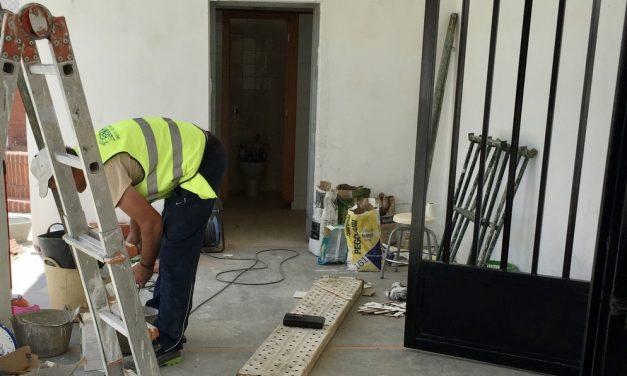 El Ayuntamiento de Viver adecúa el cole para garantizar la seguridad