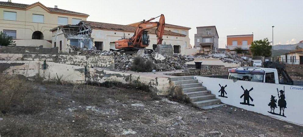Concluye la demolición del antiguo colegio de Soneja