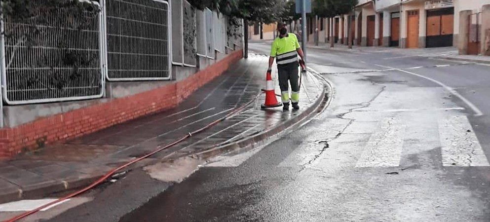 Segorbe desinfecta las calles que rodean los centros educativos