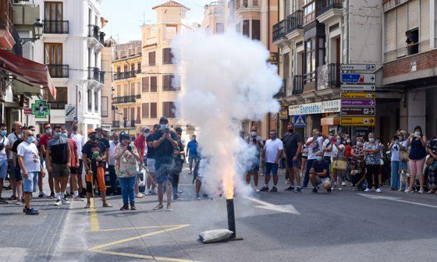 La creciente afluencia lleva al Ayuntamiento a cambiar la ubicación del disparo de la carcasa