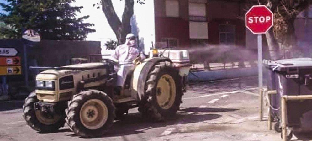 Torás intensifica la desinfección de calles y cementerio municipal