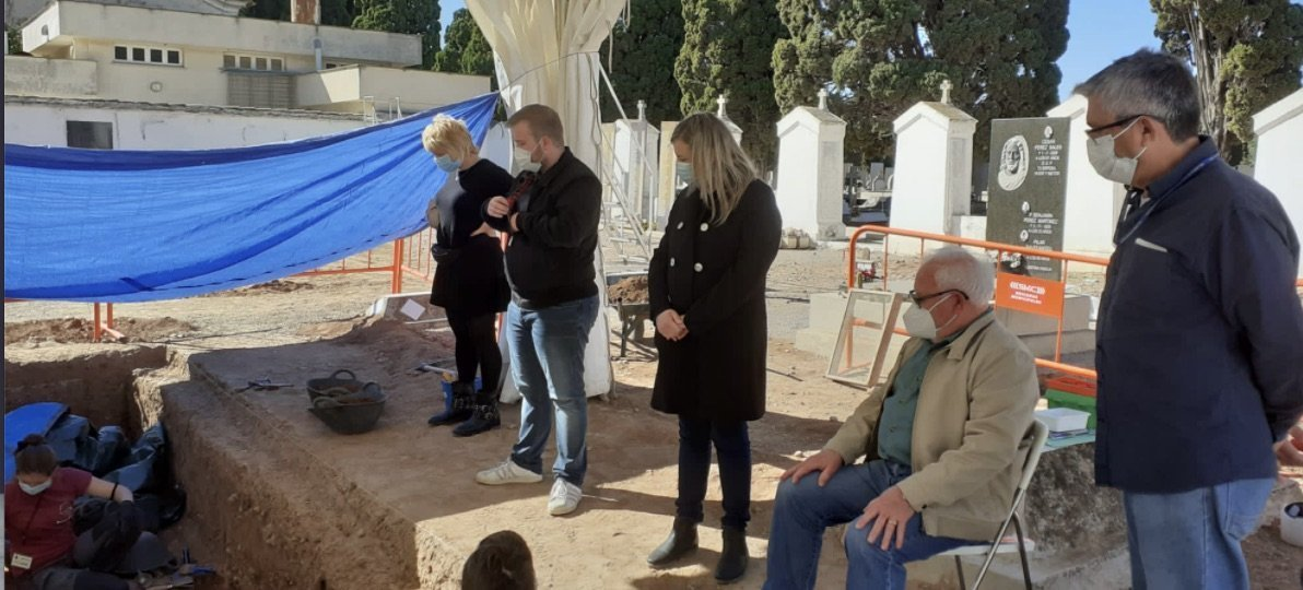 Los mandatarios alturanos asisten a la exhumación de Ignacio Marín