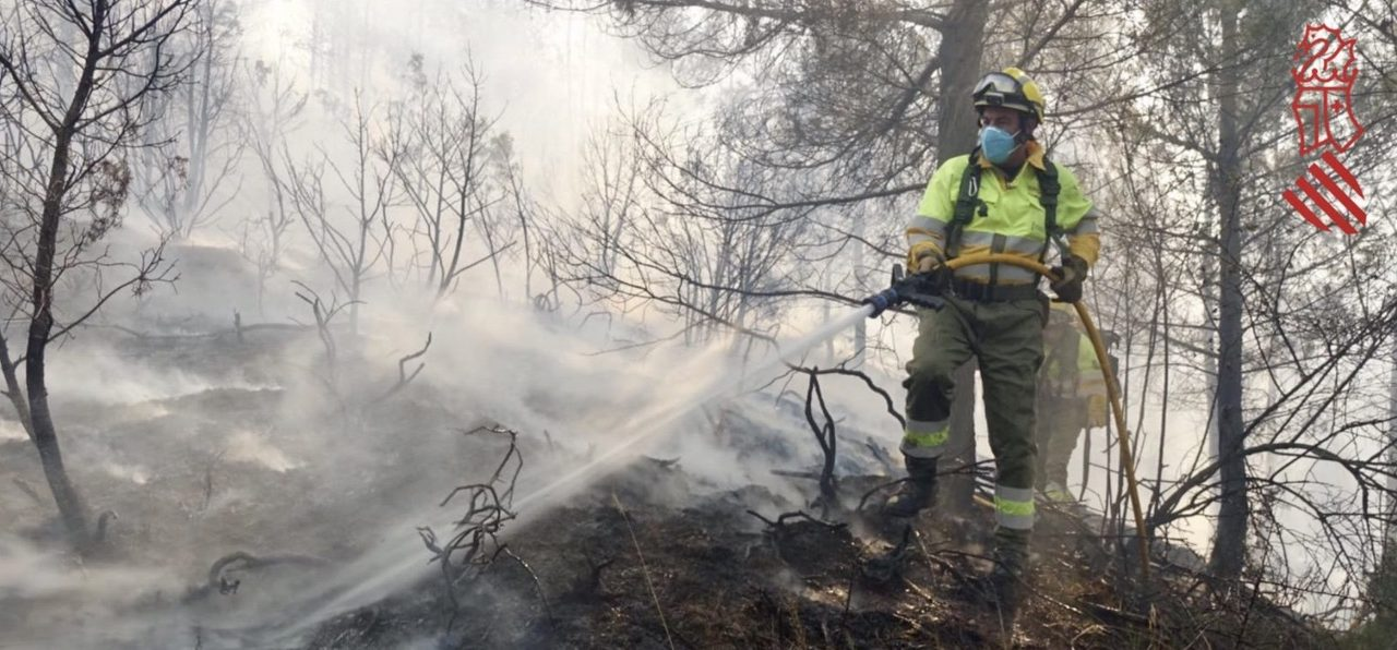 El incendio de Bejís continúa calcinando hectáreas