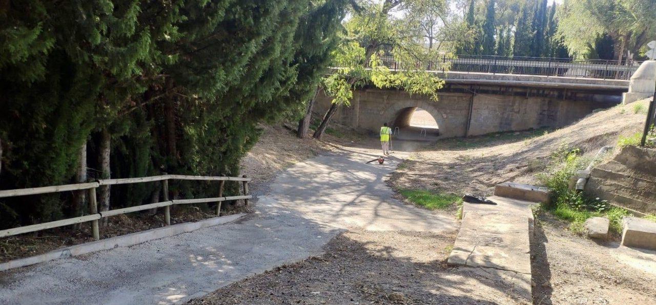 Segorbe limpia accesos y regula las visitas al cementerio