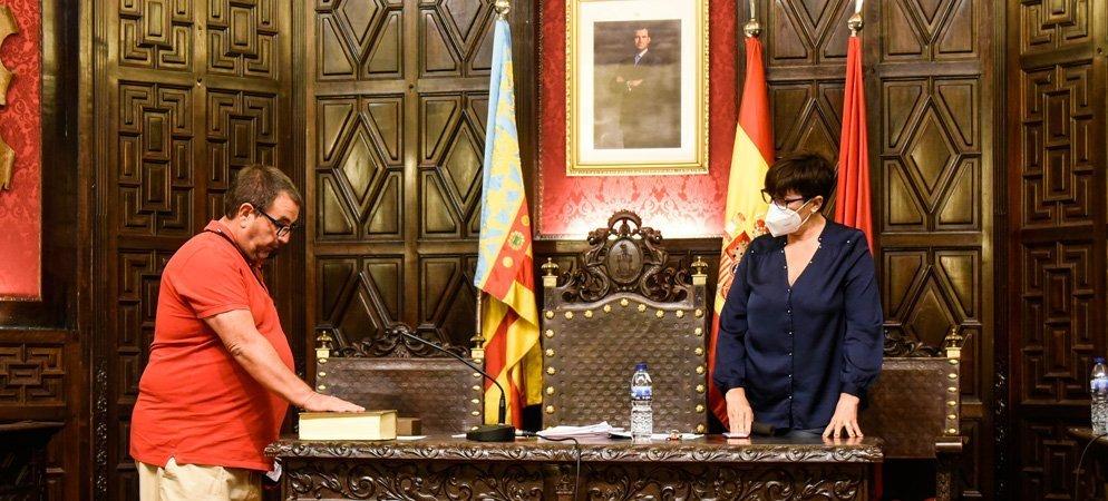 Mariano García promete el cargo de concejal en Segorbe
