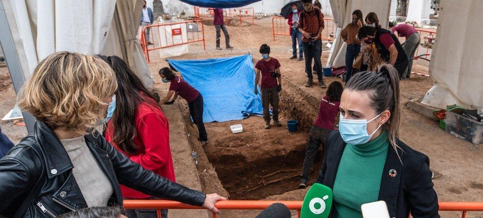 Las exhumaciones de la memoria histórica recuperan 42 cuerpos