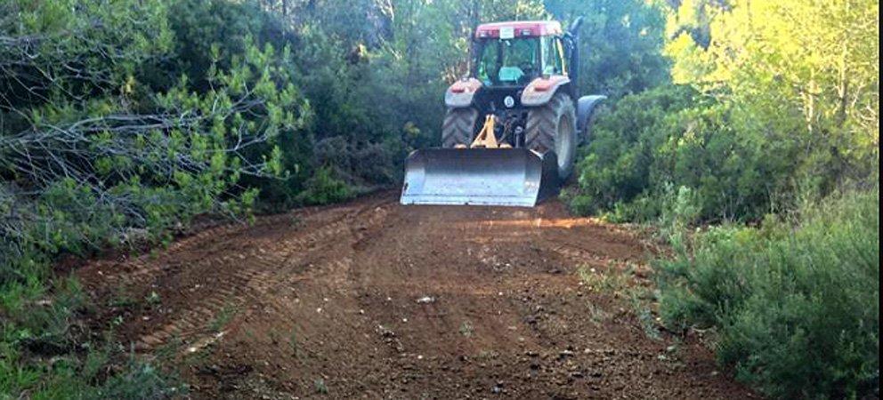 La brigada de Segorbe arregla caminos agrícolas
