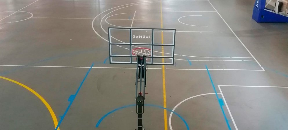 Segorbe crea una pista de baloncesto en el multiusos