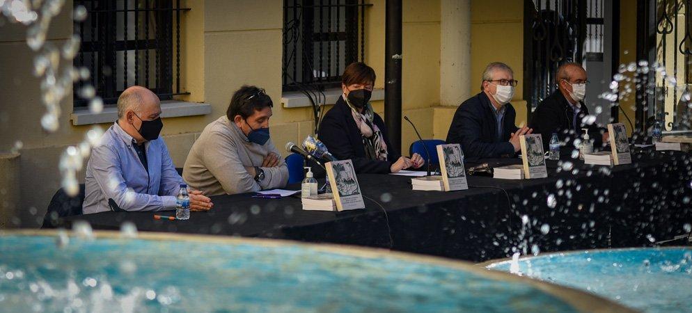 La presentación del libro de Vicente Gómez Benedito crea expectación