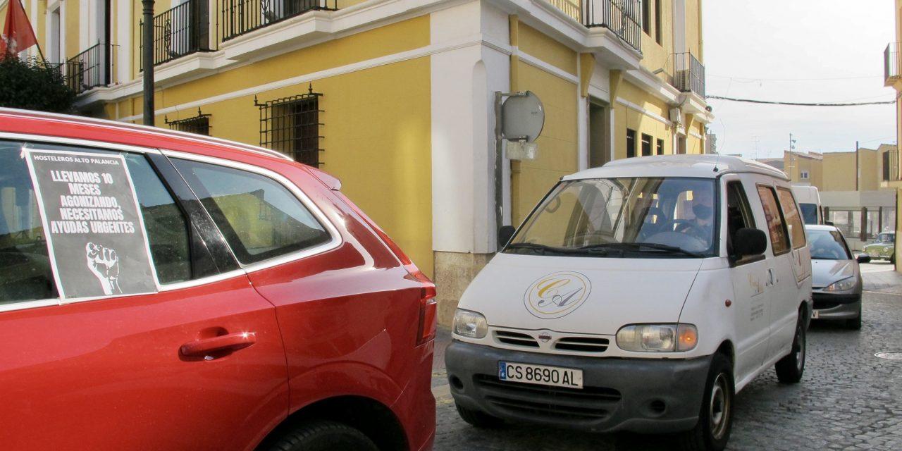 Más de 100 vehículos claman en Segorbe ayudas para la hostelería