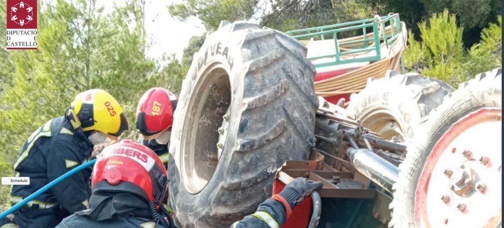 Muere un hombre en Matet al volcar su tractor